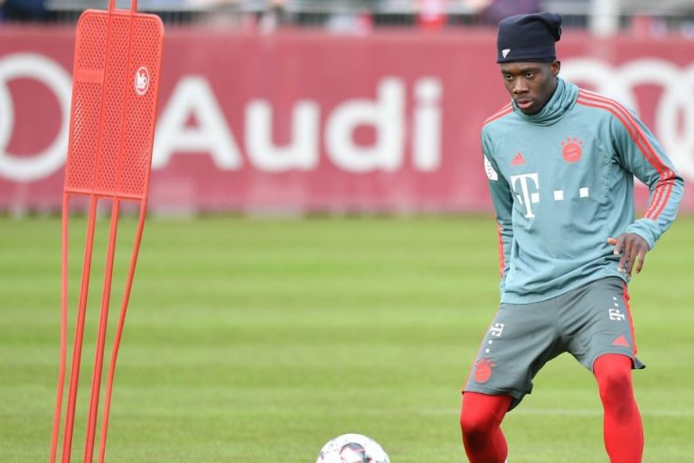 Miliki Alphonso Davies, Bayern Tidak Akan Rindukan Pemain Kolombia