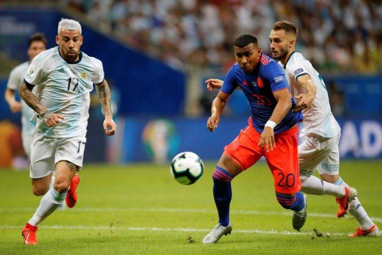 Kalah dari Kolombia, Pelatih Argentina Salahkan Lapangan