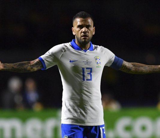 Kesombongan Jadi Alasan PSG Tidak Perpanjang Kontrak Dani Alves