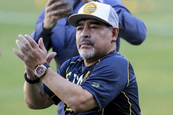 Ada Unsur Politis di Balik Mundurnya Maradona Sebagai Pelatih Gimnasia