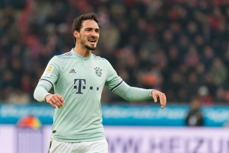 Tumbal Proyek Regenerasi, Bayern Lepas Mats Hummels