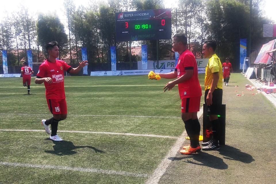 Adios Kuro Bandung Premier League