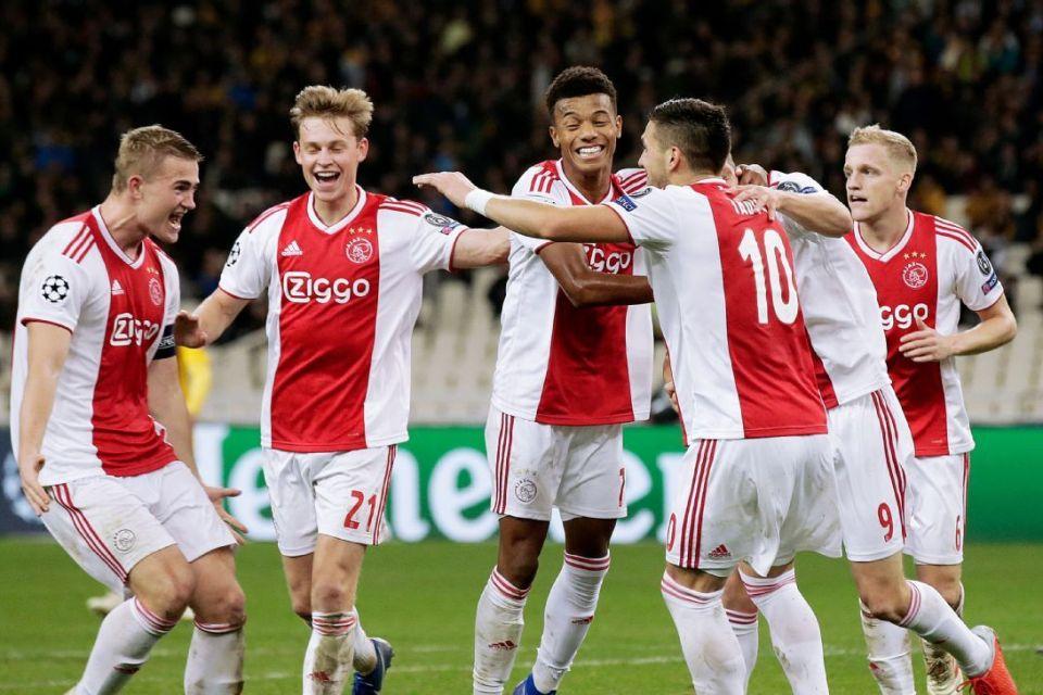 Ditinggal Dua Pemain Top, Ajax Yakin Bisa Survive