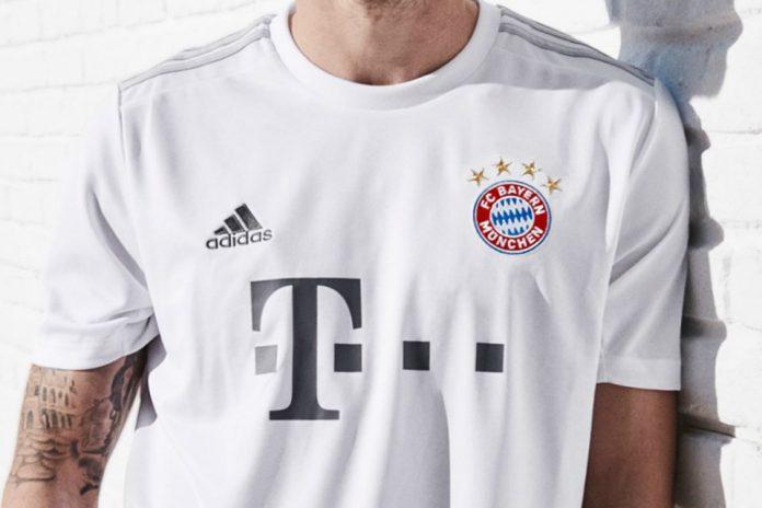 Kesederhanaan dalam Kostum Tandang Terbaru Bayern Munchen
