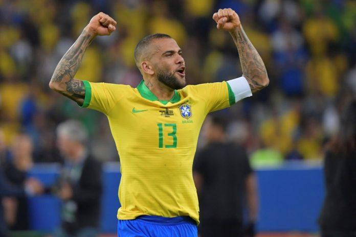 Manchester City Pertimbangkan Gaet Bek Gaek Brazil