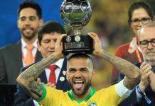Dani Alves Bisa Menjadi Solusi Jangka Pendek untuk Liverpool