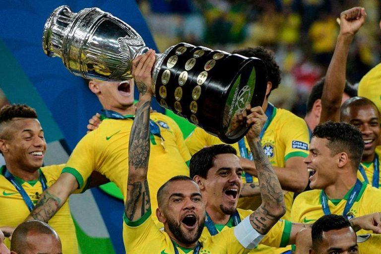Dani Alves : Messi Tidak Menghormati Kami