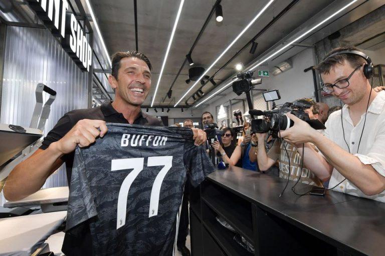 Buffon Pulang ke Juventus Hanya untuk Capaian Individu?