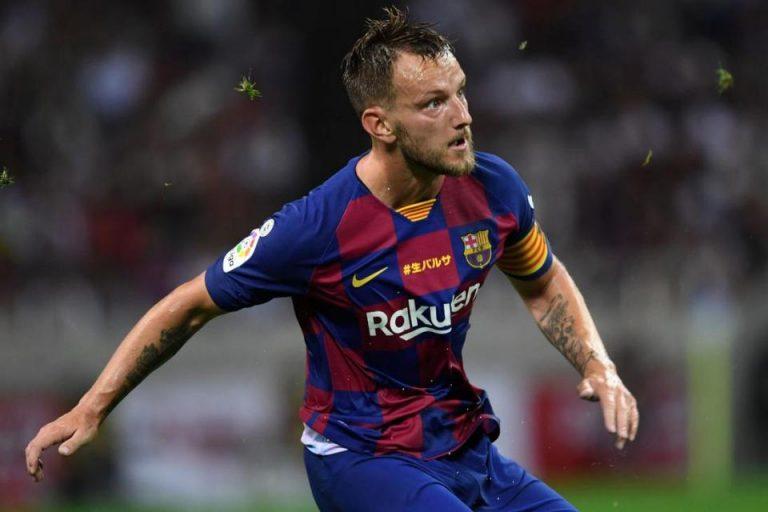 Iniesta Pastikan Rakitic Akan Bertahan di Barcelona