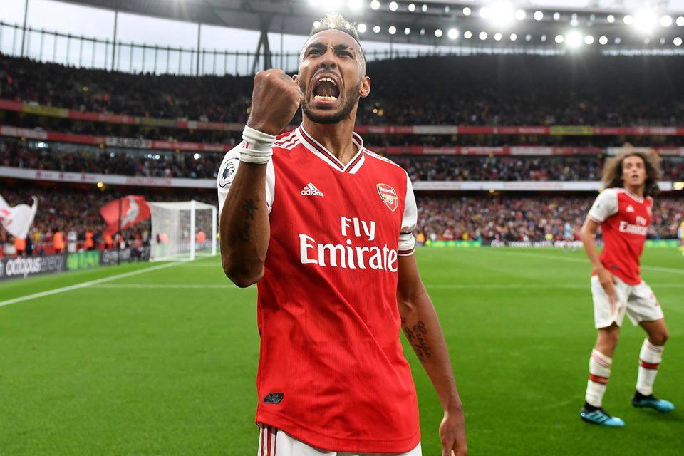 Legenda Arsenal Sarankan Klub Pertahankan Sang Bomber