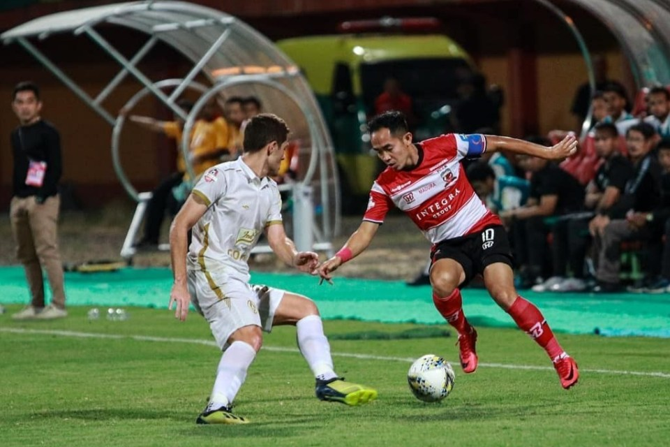 Madura United Sukses Curi Poin Di Kandang PSS Berkat Brace Beto