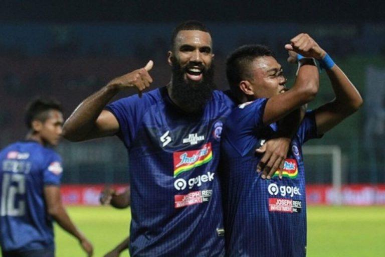 Arema FC Curi Satu Poin dari Kandang Tira-Kabo