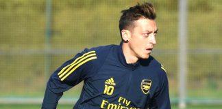 Arsenal Kalah, Ozil Kembali Dipertanyakan