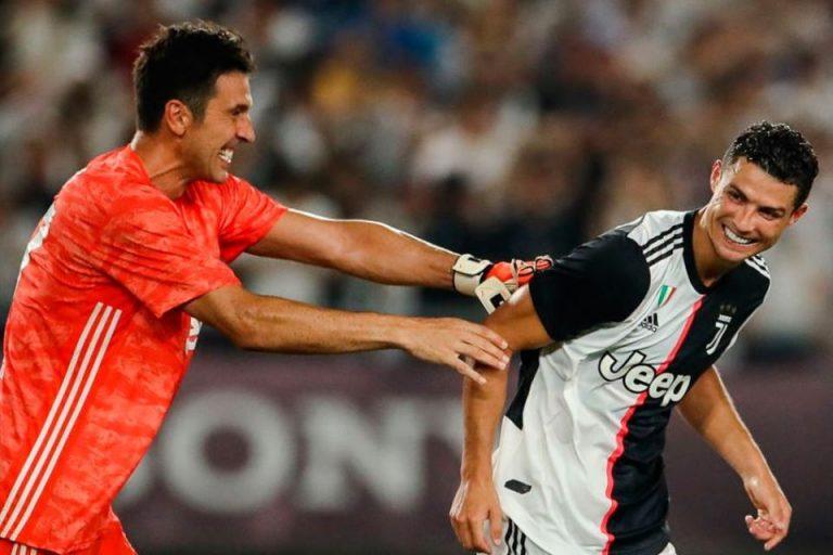 Buffon Bakal Bertahan Lebih Lama Bersama Juventus