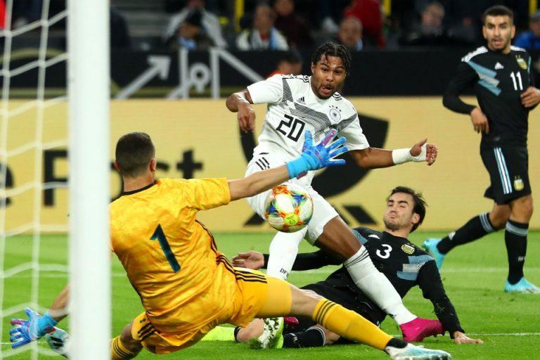 Cetak 1 Gol ke Gawang Argentina, Serge Gnabry Samai Capaian Mesut Ozil