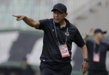 Dibantai Persipura, Coach RD Keluhkan Permainan Tirakabo