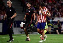 Joao Felix tidak mampu menyelesaikan pertandingan saat Atletico Madrid bersua Valencia karena mengalami cedera. Pelatih Atletico, Diego Simeone