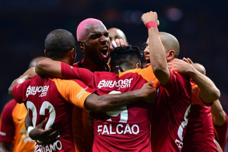Galatasaray Pede Kalahkan Madrid Di Bernabeu