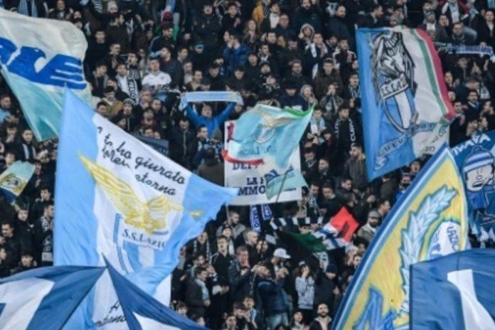 "Fans Bersikap Rasis, UEFA Berikan Lazio ""Hadiah"""