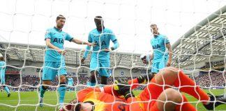 Cedera Parah, Kapten Tottenham Dilarikan ke Rumah Sakit