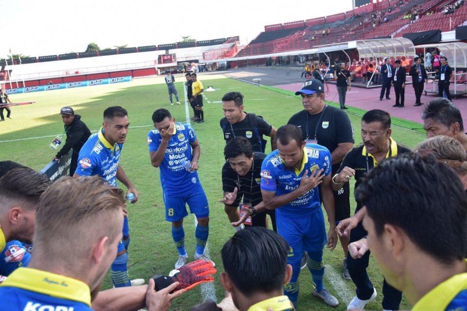 Tak Main di Bandung, Persib Malah Tampil Impresif Atas Persija