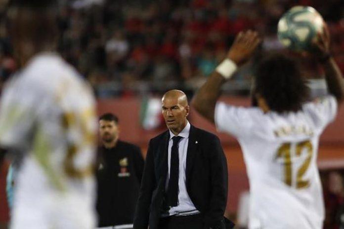 Zidane Kesal Dengar Isu Mourinho