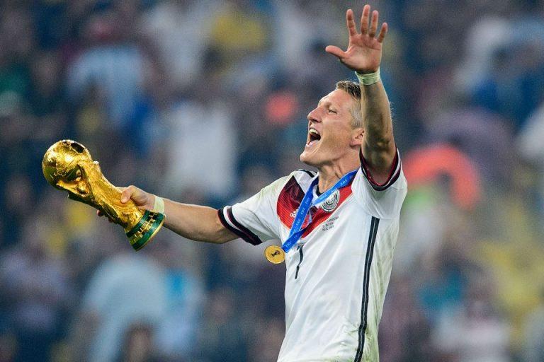 Ketimbang Jadi Pundit, Schweinsteiger Disarankan Jadi Pelatih