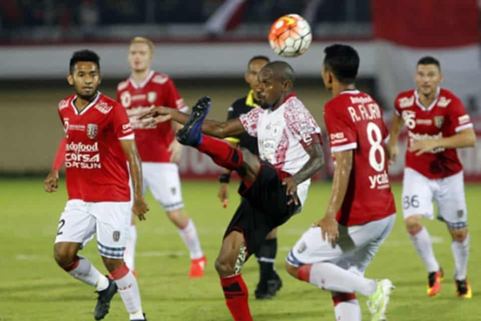 Laga Persipura dan Bali United Berakhir Sama Kuat