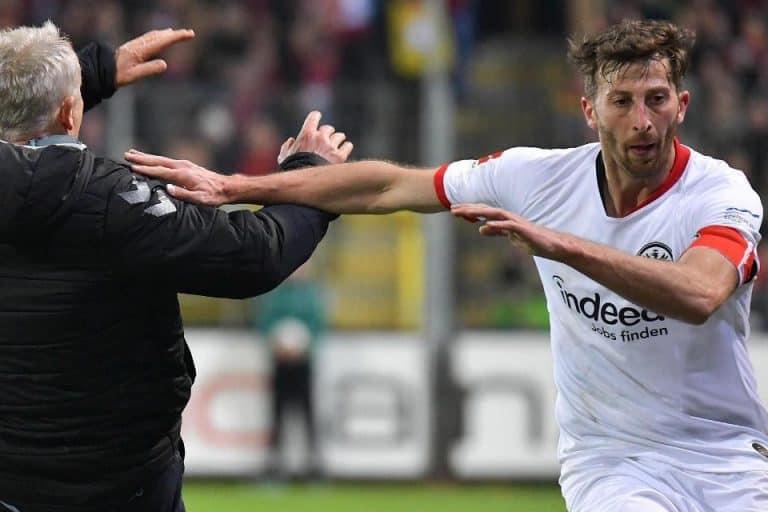 Dorong Pelatih Freiburg, Kapten Frankfurt Diskors 7 Laga