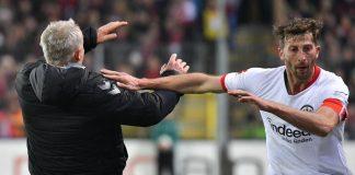 Kapten Frankfurt Lakukan Tindakan Tak Terpuji kepada Sang Pelatih