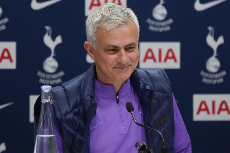 Langkah Kongkret Jose Mourinho Perangi Covid-19