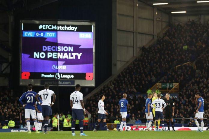 Penggunaan VAR di Premier League Tak Sesuai Ekspektasi