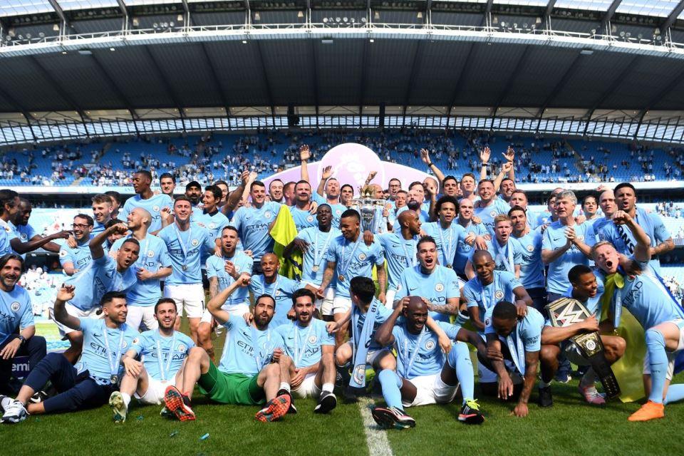 Tak Hanya Gelar, Manchester City Siap Salip Manchester United Dalam Hal Ini