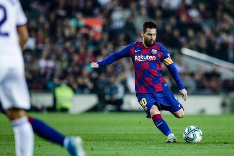 Tendangan Bebas Messi Lebih Berbahaya Ketimbang Penalti MU