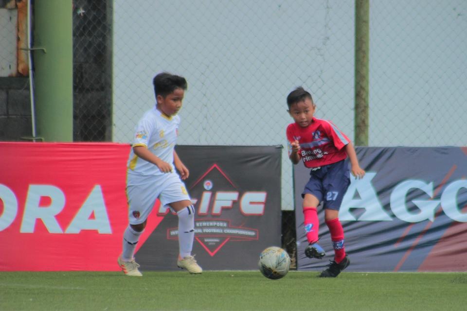 Pemain Bintang Primavera (kanan) di B'League pekan perdana lalu (dok.BPL)