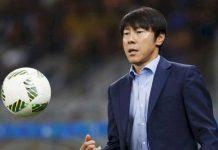 Shin Tae-Yong Masih Bimbang dengan Dua Pilihan yang Dihadapinya