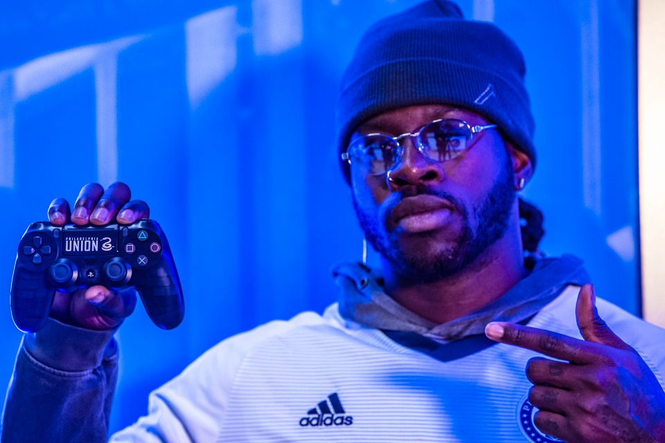 Mantan Juara Super Bowl Resmi Jadi FIFA Player!