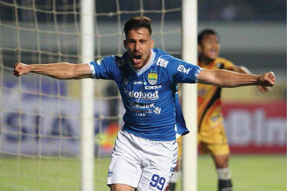 Arema FC Kepincut Ingin Datangkan Ezechiel dan Bauman