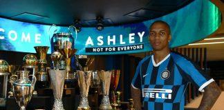 Ashley Young Bangga Bisa Menjadi Penerus Legenda Inggris di Inter