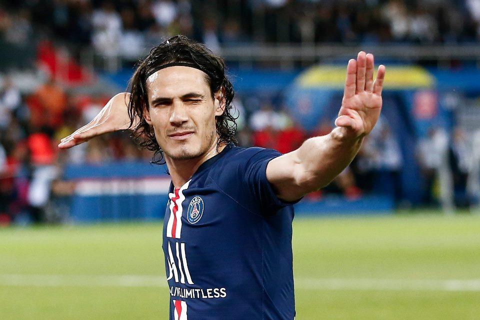 Goda Cavani, Man United Suguhkan Kontrak Fantastis
