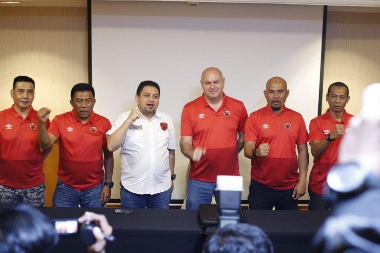 Pelatih PSM Tak Segan 'Usir' Pemainnya ke Klub Lain