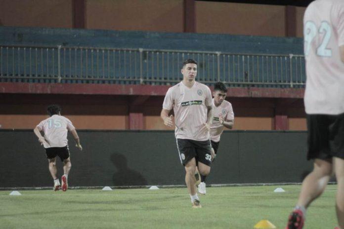 Coret Brian Ferreira, Madura United Gaet Gelandang Asal Uzbekistan