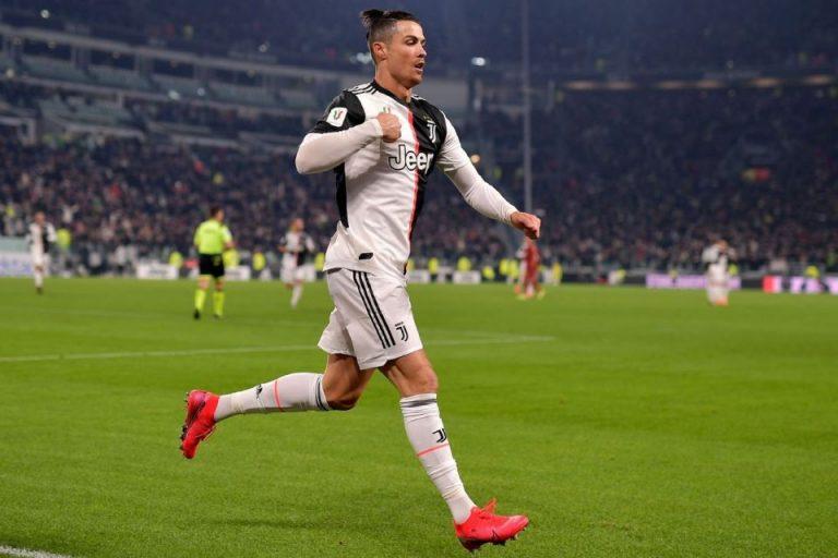 Jadi Mesin Gol, Sarri Malah Puji Ibunda Ronaldo