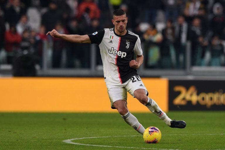 Man City Siapkan Dana Besar Tuk Boyong Bek Juventus