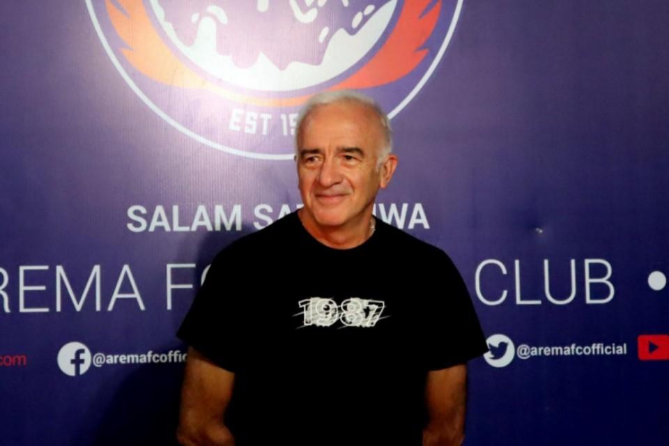 Pelatih Arema Menyesal Tak Sempat Tukar Ilmu dengan Jose Mourinho