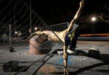 Patung Mantan Penyerang Swedia Porak-Poranda Akibat Aksi Suporter