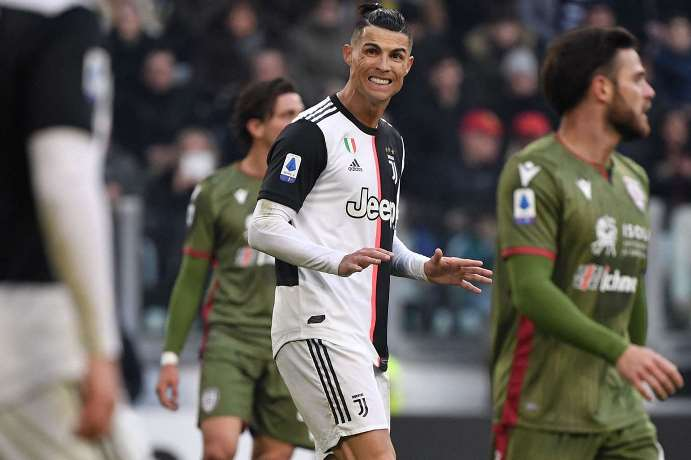 Sarri Senang Masalah Lutut Ronaldo Telah Usai
