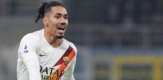 AS Roma Tangguhkan Rencana Permanenkan Smalling