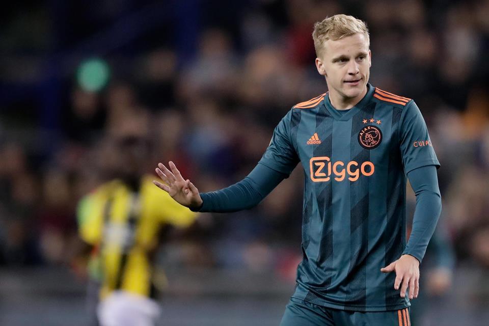 Erik ten Hag Optimis Donny van de Beek Tak Akan Pergi Dari Ajax