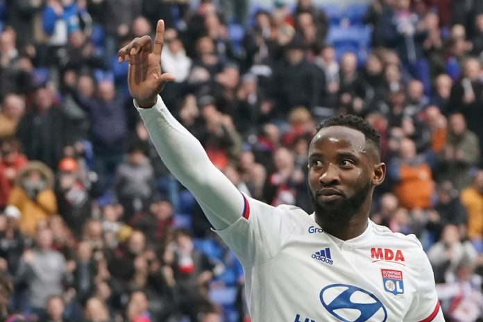 Manchester United Optimis Amankan Jasa Moussa Dembele